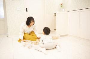 子供 男の子 ママ 笑顔 育児 片付け 整理収納